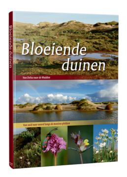 Natuurfoto's van plantne en landschappen in de duinen in het boek Bloeiende duinen. Door natuurfotograaf Ronald van Wijk